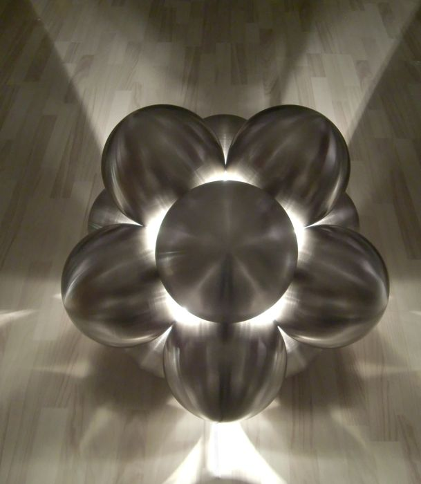 Marcel Simons - Stainless steel light object