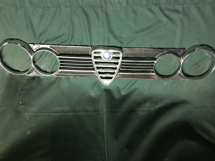 Alfa Romeo front grille