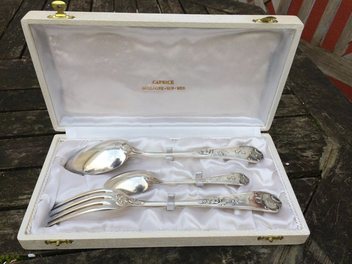 Shiny silver plated metal cutlery