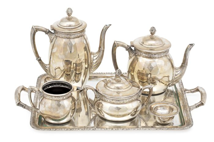 Coffee and tea service in silver. Spain, 20th century. 1960 g