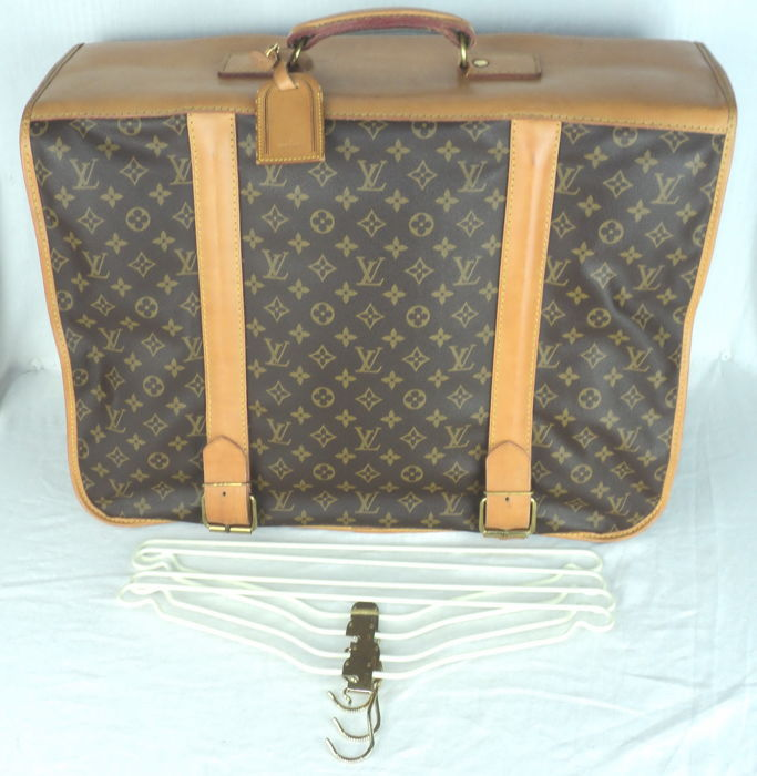 9995546a8b3a Louis Vuitton - Monogram Portable Homme Garment Carrier Suit-Case - Vintage