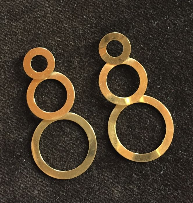 18 kt gold earrings for pierced ears