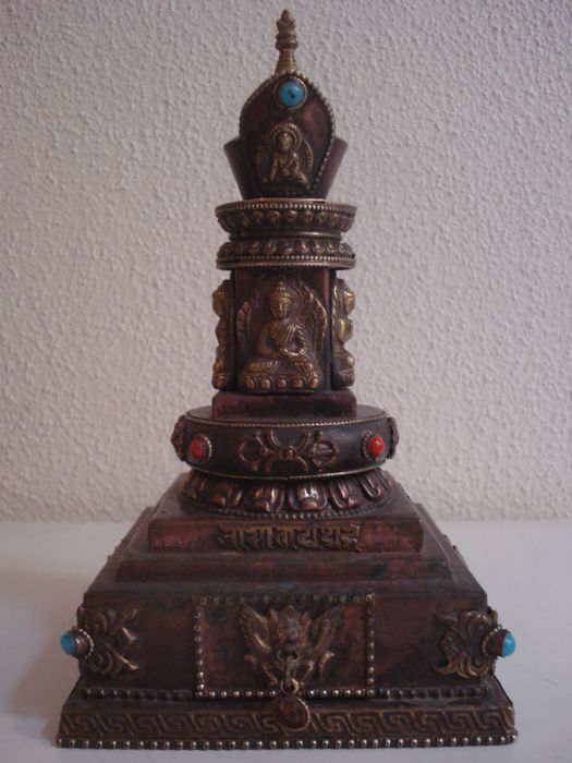 Copper five Dhyani Buddha Stupa Chorten - Nepal - 2nd half 20th century (20cm)
