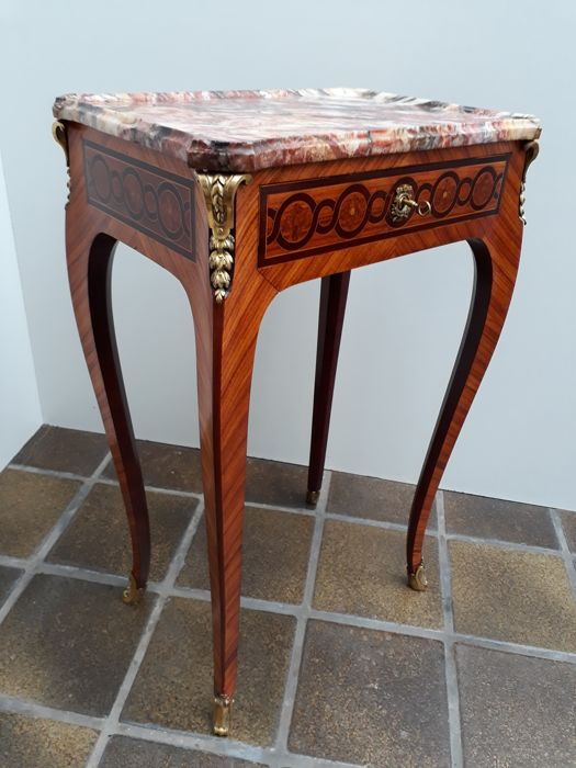 Petit Table de salon in Louis XV style with inlay and marble table ...
