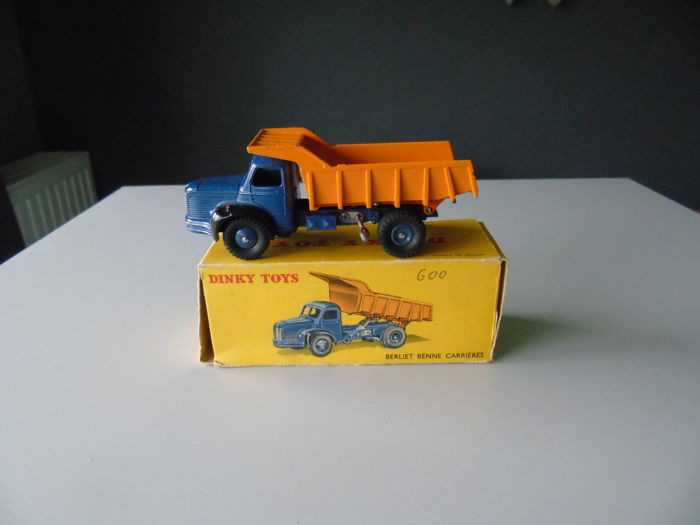 Dinky Toys-France - Scale 1/48 - Berliet dumper truck quarries # 34A