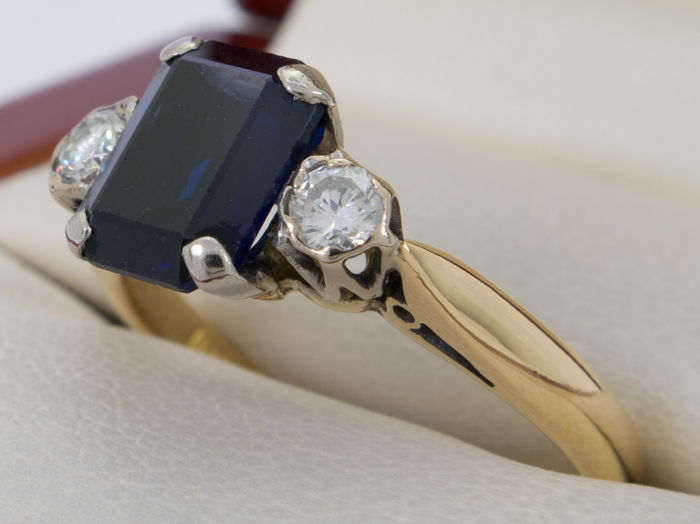 18kt. gold - Diamond & sapphire triology ring  - **No Reserve**