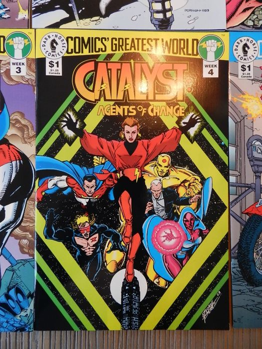 Dark Horse set with Comic's Greatest World comics, Agents of Law, Catalyst, The Machine and more - 65x sc (1993-1995)