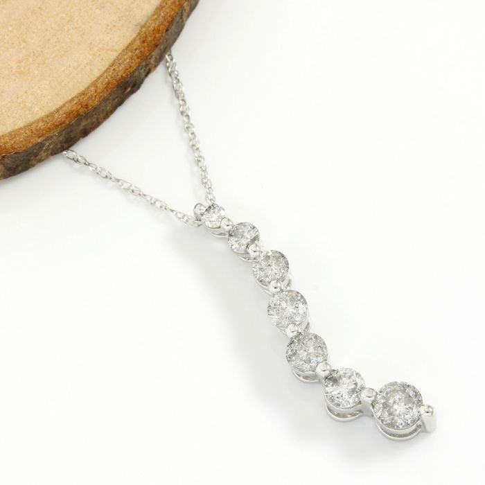 14k White Gold - 1.00 ct Round Cut H-I, SI2 Diamond Journey Necklace with Pendant - 45 cm