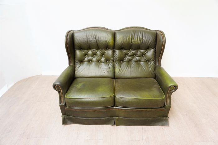 Super Green Leather Padded Chesterfield Style Sofa England Circa Gmtry Best Dining Table And Chair Ideas Images Gmtryco