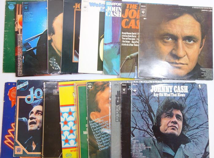 Johnny Cash ; Lot with 18 Albums