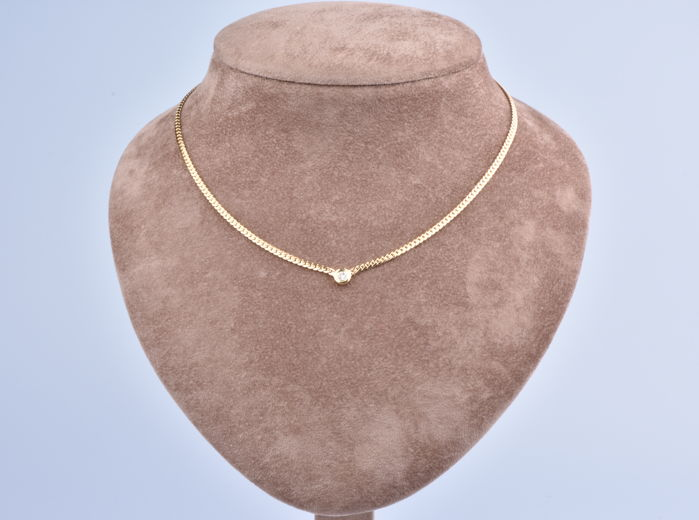 18 kt (750/1000) yellow gold necklace English links, 1 diamond in a closed setting of approx. 0.27 ct