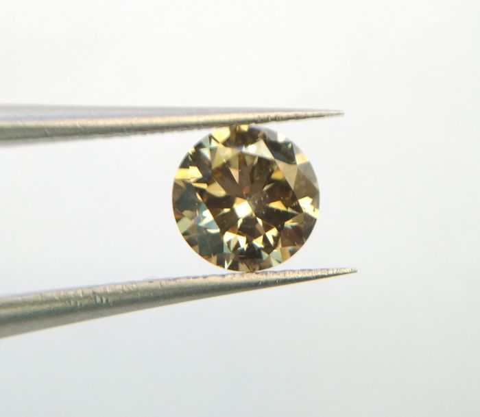 Brilliant cut diamond 0.70 ct, VS1, EX-EX-EX (No reserve price)