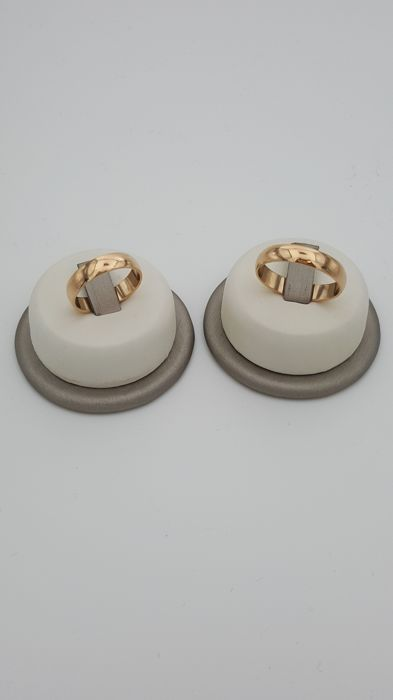 2 x 18 kt yellow gold engagement rings, size: 15 and 25 - Total weight: 10.40 g