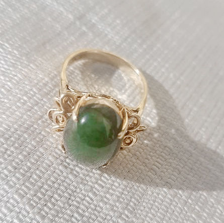 Gold ring with jade from the mid 20th century
