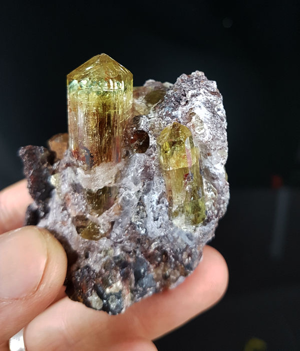 Perfect fluorapatite gem quality - 6 x 5 x 3.5 cm crystals up to 3 cm - 144 g