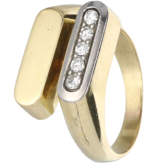 14 kt Yellow gold design ring set with 5 single cut diamonds of in total 0.20 ct in a white gold setting.
