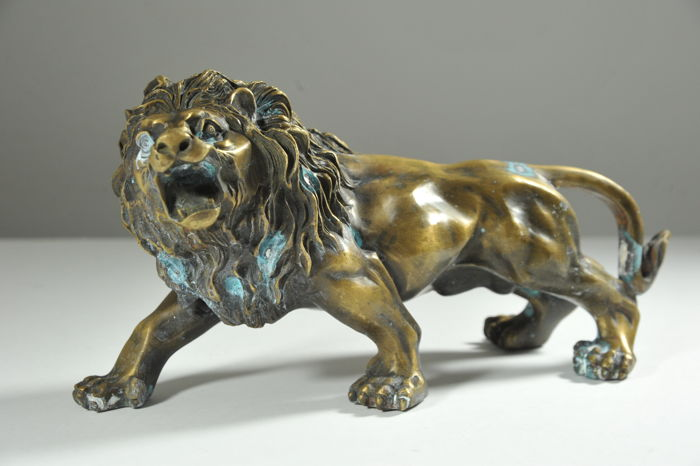 Large Lion Bronze - 2nd Half 20th Century