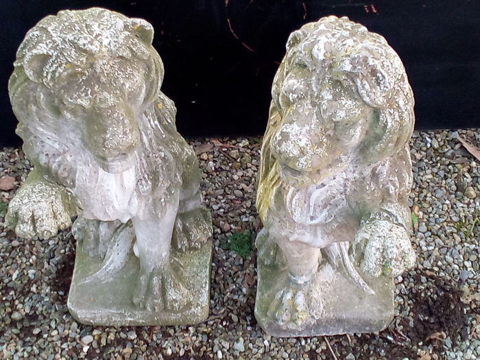 Pair of large lions in mixture of stone dust - Italy - first half of the 20th century