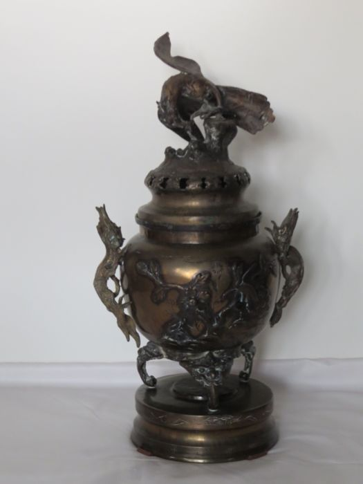 Bronze koro (censer) - Japan - Early Meiji Period (1868-1912)