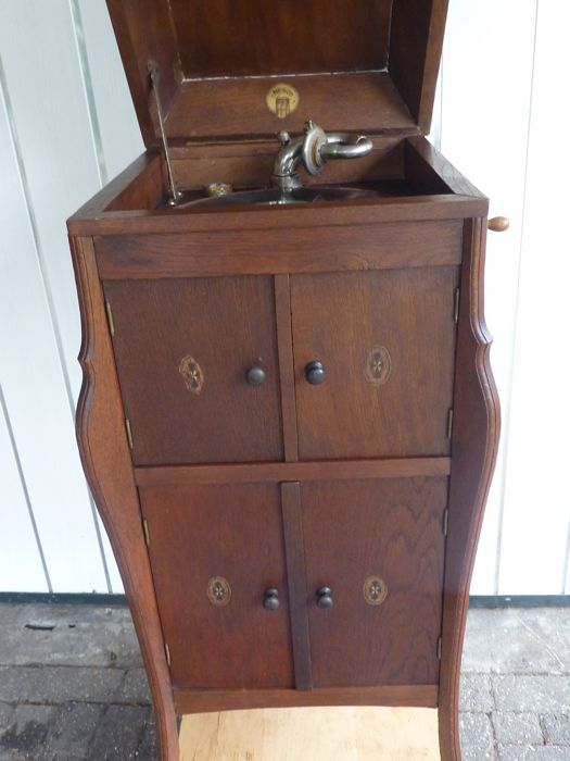 Antique Record Player Cabinet With 78 Rpm Records Catawiki