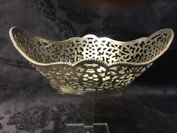 Open work silver chocolate basket, Van Kempen en Begeer, 20th century