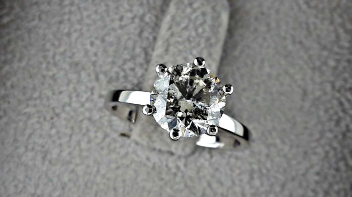 2.04 ct  round diamond ring made of 14 kt white gold  *** NO RESERVE PRICE ***