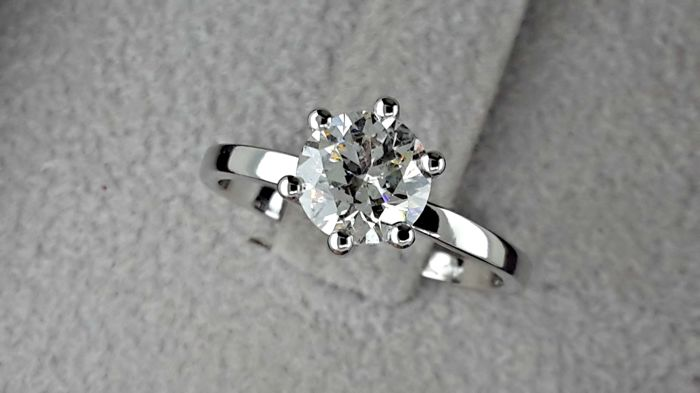 1,01 Carat Round Diamond E/VS2 Solitaire Ring In 6-Prong 14 kt Solid White Gold Setting