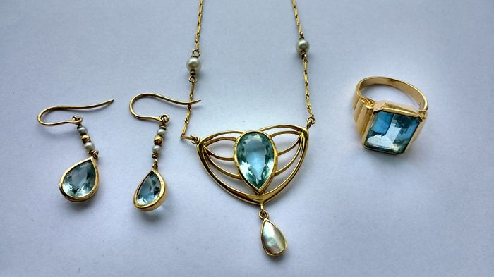 Art Deco style set of unique necklace, ring and earrings with Aquamarine and pearls