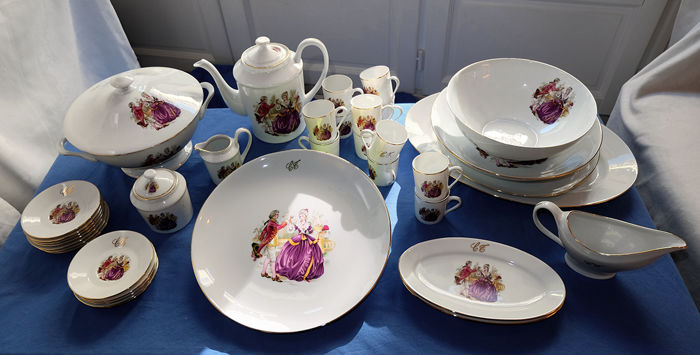 Limoges - 12 person 'Marquise de Pompadour' dinner service (60 items)