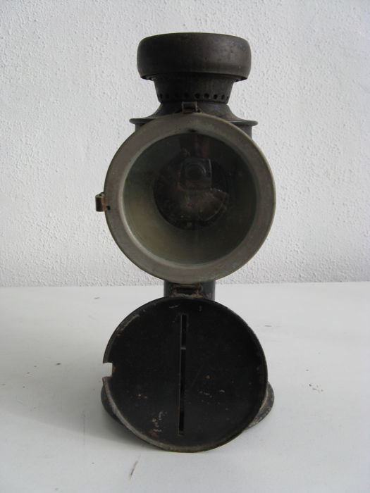 Bicycle lamp blackout lamp Netherlands WW2