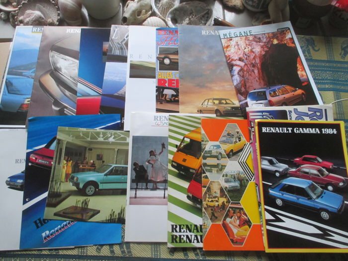 Brochures / Catalogi - Renault, inclusief 1x FASA - 1975-1994 (17 items)