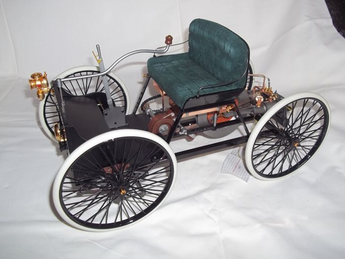 Franklin Mint - 1896 Ford Quadricycle - scale 1:6 - length 34 cm - weight 1.5 kilos - very good condition - rare