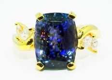7.59 ct ring with natural tanzanite and diamonds ***no reserve price***