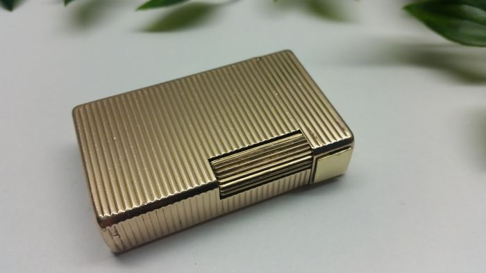 S.T.  Dupont laminated stripes gold, late 1970-1980