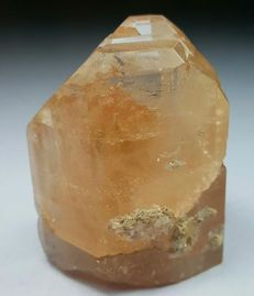 Untreated Diamond Cut Terminated Champagne Topaz Crystal, 48 x 41 x 33 mm, 90 Gram