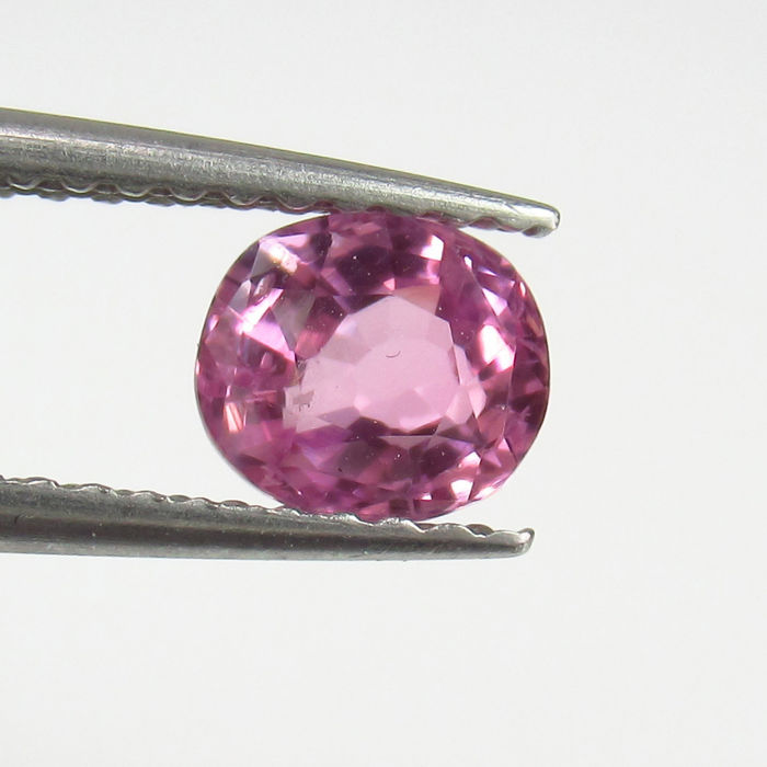 0.92 ct - Pink Sapphire - No Reserve Price