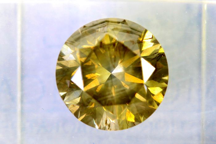 Fancy INTENSE Yellowish Green Diamond -  2.84 ct -  SI2 - * NO RESERVE PRICE *