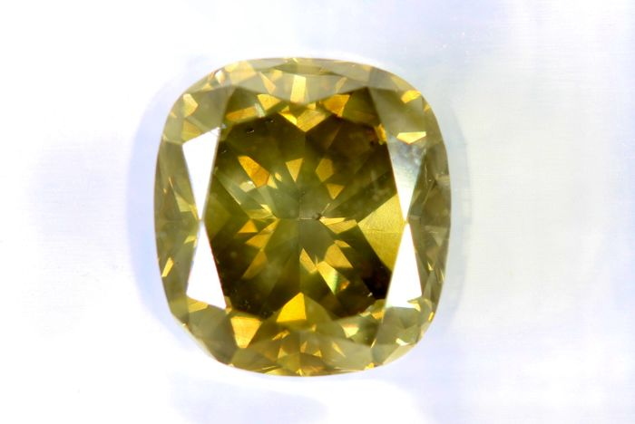 Fancy INTENSE Yellowish Green Diamond –  2.71 ct –  SI1