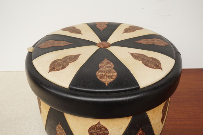 Large pouf / sewing box + rattan reading material basket