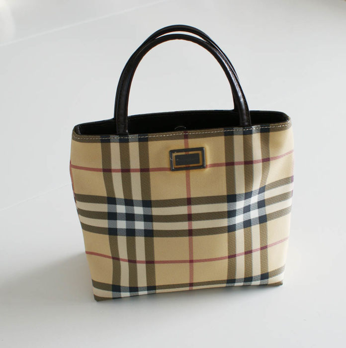 c552d4c938d1 Burberry Handbag -  No Minimum Price  - Catawiki