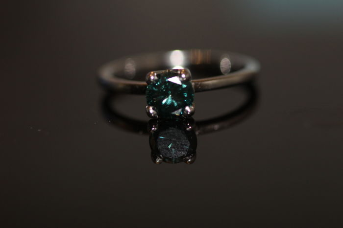 Beautiful Ring Blue Diamond – 0.80 ct ...:: NO Reserve price ::...