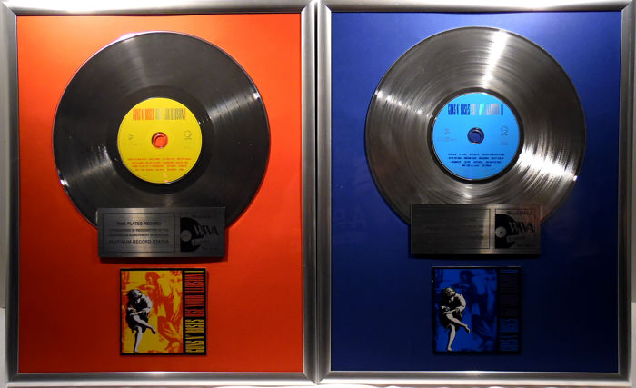 "2x Guns N' Roses - Use your Illusion I and II - 12"" Geffen Music platinum plated record with CD and cover by WWA gold Awards"