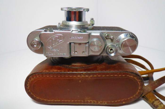"The very first ""FED"". With the inscription factory FEDZHERZHINSKOGO.№403432.Prototype of ""Leica II""."