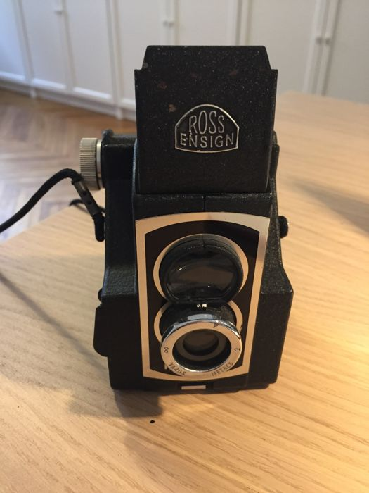 Vintage film camera Ross Ensign Ful-Vue Super 120