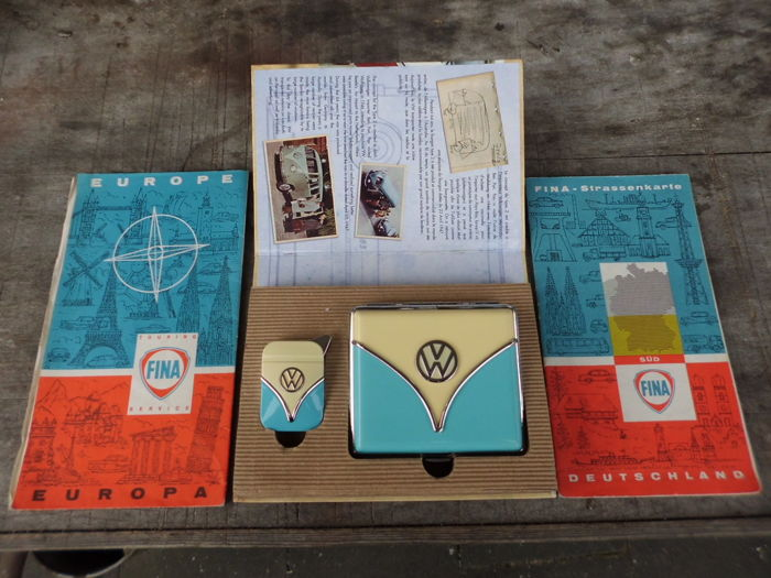 VW Bully set - and  Old FINA maps.