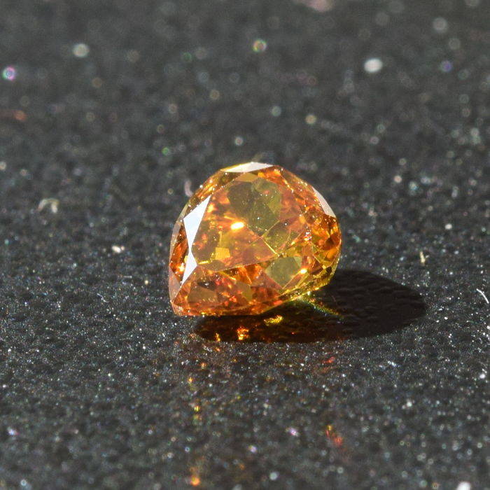 0,35 CT, VERY RARE NATURAL FANCY DEEP YELLOW-ORANGE DIAMOND, VS1, PEAR, GIA CERTIFIED