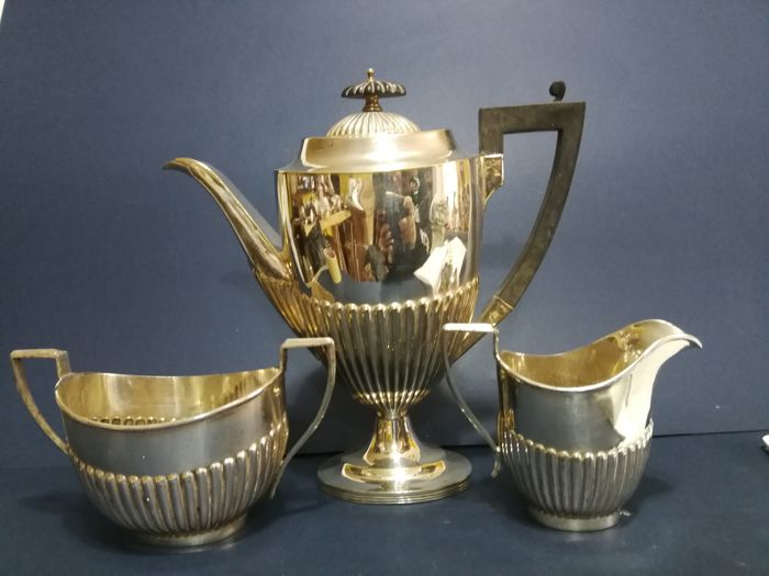 Set consisting of 3 items with a grooved decoration - silver plated - by Mappin & Webb