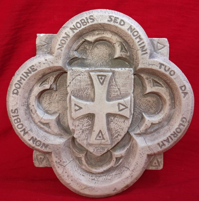 Cross of the Knights Templar in Istrian marble, carved and worked by hand - Venice, Italy - 20th/21st century