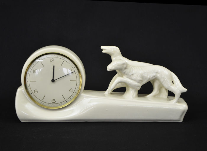 Nice porcelain mantelclock from the 20th century