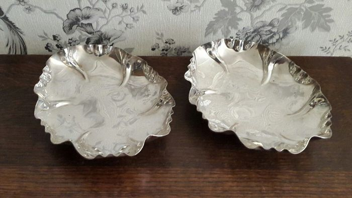 Pair of silver plated, leaf-shaped centrepiece bowls